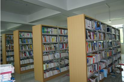 (图三)图书馆新书上架工作完成